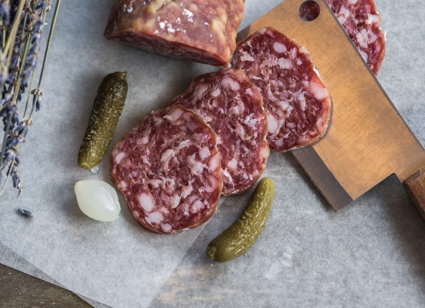 how to make an easy charcuterie and cheese board