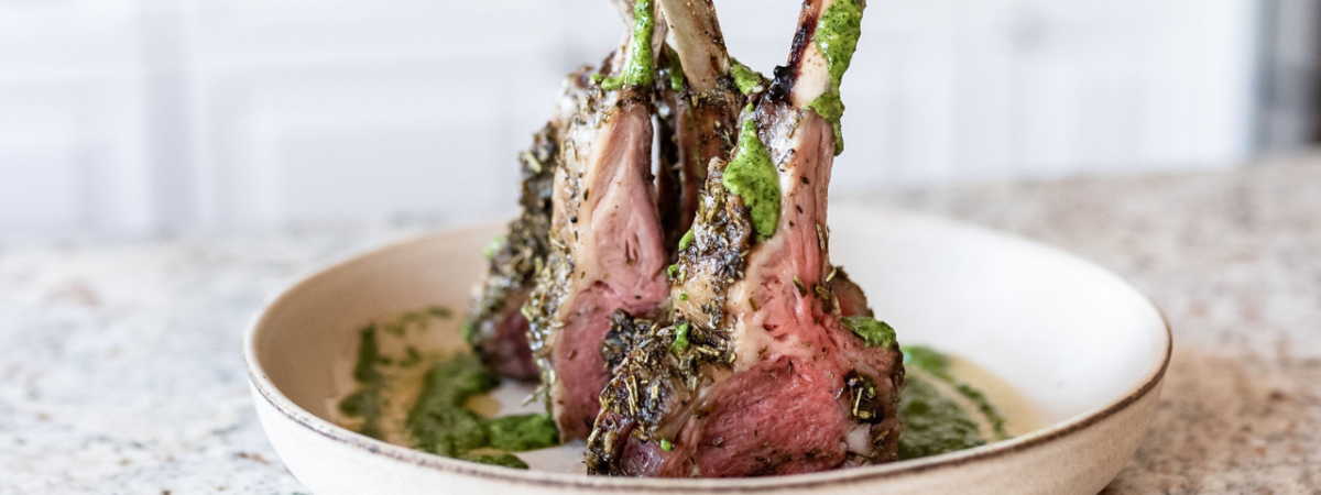 How to cook a rack of lamb in the oven or the grill